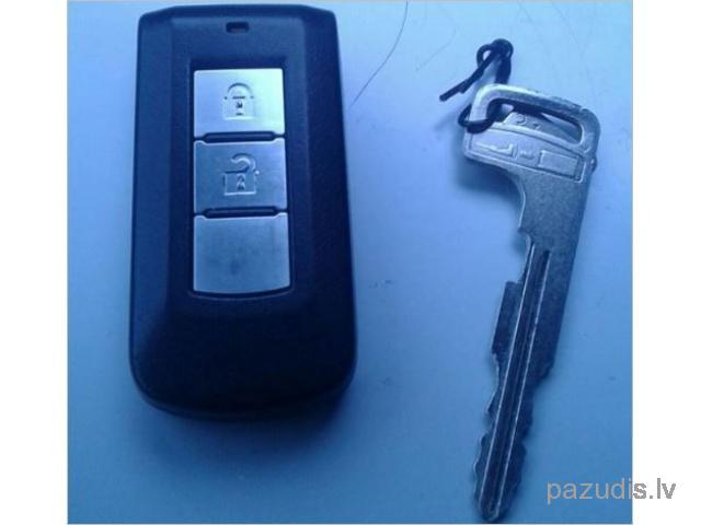 Pazuda atslēga ar pulti