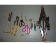 Atrasti dažādi instrumenti
