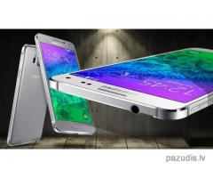 Pazudis/nozagts Samsung Galaxy Alpha balts